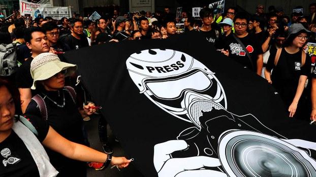 假新聞亂象常被極權政體用作衝擊民主制度的武器,亦削弱新聞媒體公信力。(路透社圖片)
