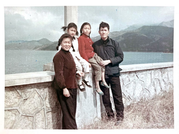 李怡的一家合照。(受訪者提供)