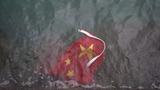 国旗抛落海官媒发文批评裁决 试图命令法官证实港人恐惧