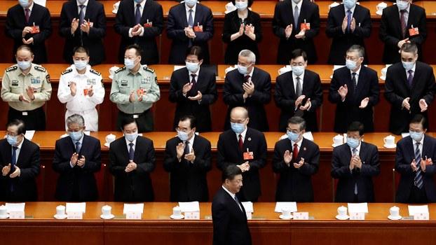 今年兩會新規定,大會正國級、副國級首長不戴口罩。(路透社)