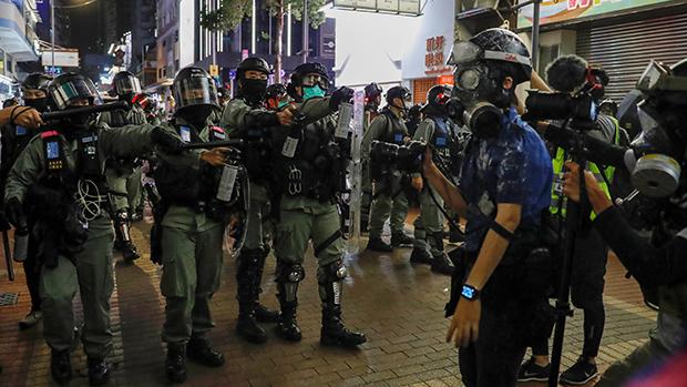 香港反修例運動八個月以來,警方多次被指濫用武力。(路透社資料圖片)