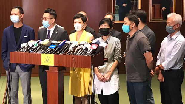 民主派會議召集人陳淑莊(黃衣):「港版國安法」判了一國兩制死刑。(張展豪 攝)