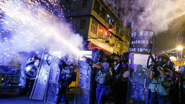 香港警队高层向媒体承认,连月的冲突令警队身心疲累,但强调有能力处理下去。(路透社资料图片)