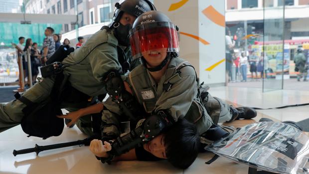 香港警隊近月和市民關係緊張。(路透社資料圖片)