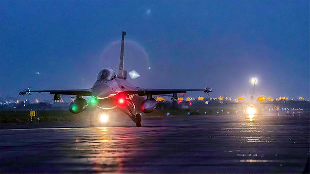 2020年9月22日,台灣軍方舉行「聯翔操演」,各基地戰機緊急升空攔截模擬解放軍戰機。(國防部提供)