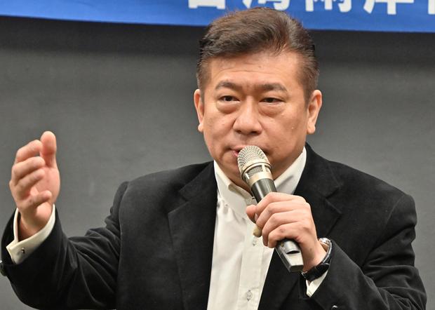 2020年11月5日,陸委會前副主委張顯耀:民進黨政府單邊押寶美國,讓台灣在未來中美對抗下處於不利位置。(鍾廣政 攝)