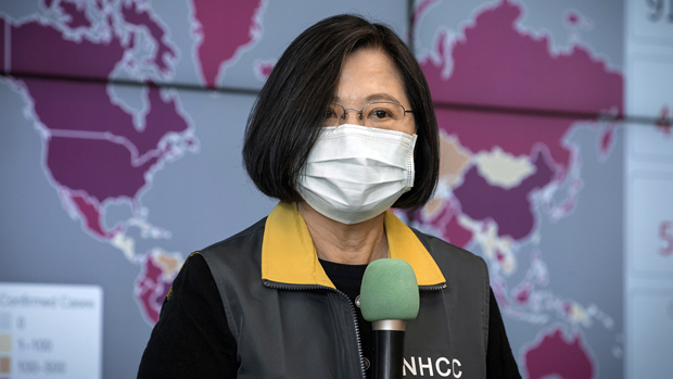 2020年4月2日,台灣總統蔡英文:病毒不分國界,全世界攜手合作,才能有最大能量來控制疫情。(台灣總統府提供)