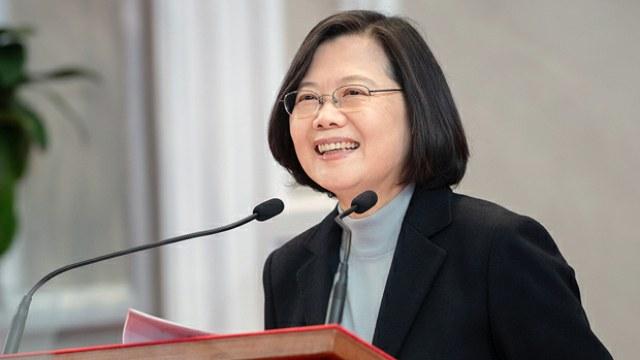 台灣總統蔡英文重申不接受「一國兩制」,重申「反滲透法」是防止中國滲透,不會影響兩岸交流。前總統馬英九續批評「反滲透法」侵害人權,他可能是下一個被抓的人。